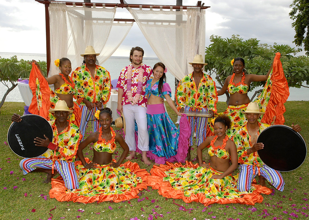 Mauritius traditional clothing pictures to pin on pinterest thepinsta Fashion style group mauritius